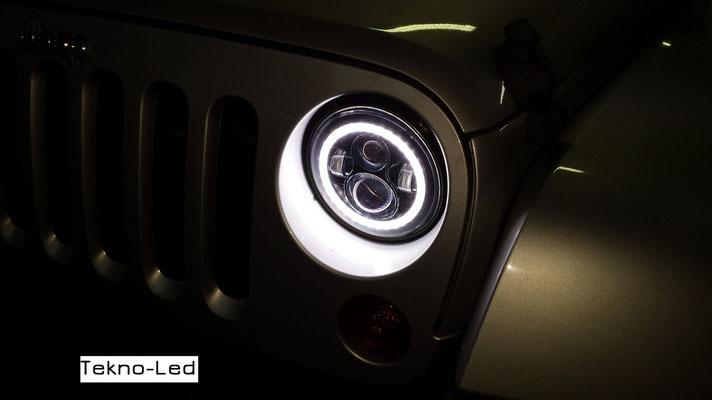 JEEP WRANGLER monta Coppia Fari FULL LED Mod. TKLFAR-40-ORANGE - Dettaglio Angel Eyes Diurni al buio