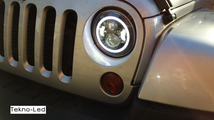 JEEP WRANGLER monta Coppia Fari FULL LED Mod. TKLFAR-40-ORANGE - Dettaglio Angel Eyes Diurni