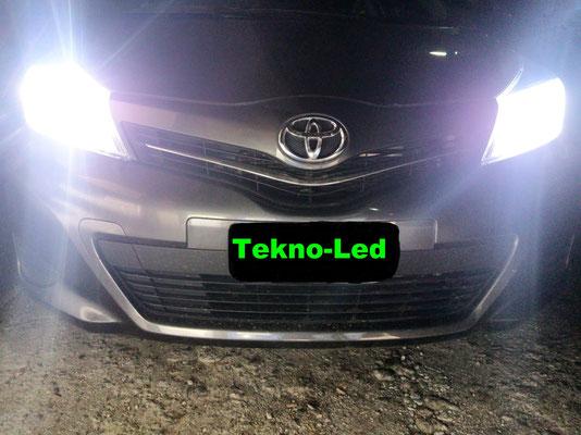 Toyota YARIS monta un kit Led Auto mod. TKL9-H4 - Canbus - Luci Anabbaglianti