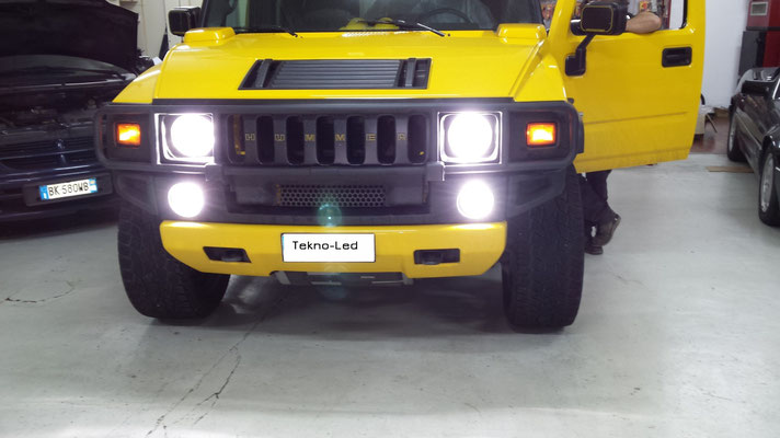 HUMMER monta un kit LED Auto mod. TKL9-H4-Canbus - UPDATE (sui fari) e un kit LED Auto mod. TKL9-H7-Canbus UPDATE (fendinebbia modificato con Angel Eyes)