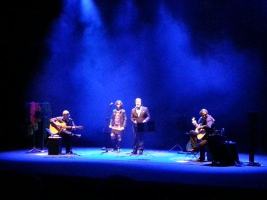 The warmest place. It´s all right con Julio García e Isidro Solera (guitarras), Rubén Melogno (voz), Carmen Ros (coros)
