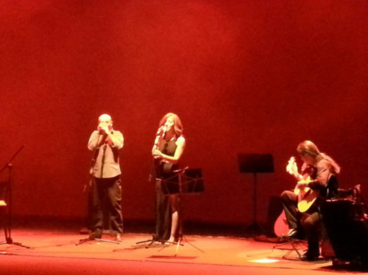 The warmest place.  Change con Julio García (guitarra), Marisa Tolentino (voz) e Isidro Solera (armónica)
