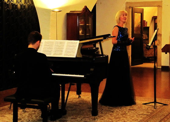 Vera Klimova, Sopran  -  Wladimir Borodin, Klavier -Don Giovanni Mi tradi Elvira