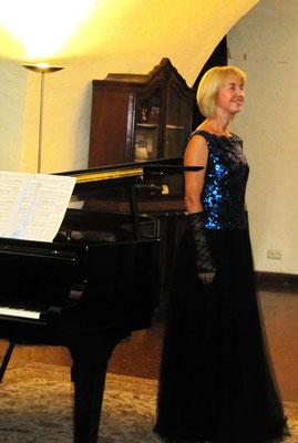 Vera Klimova,  Mozart! Oper unter der Kirche - Le Nozze di Figaro Porgi amor Contessa