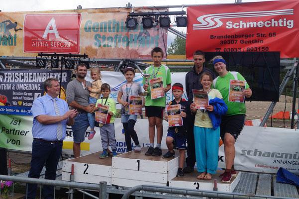 Genthiner Matsch-Wolke Siegerehrung 1,5 Km Strecke