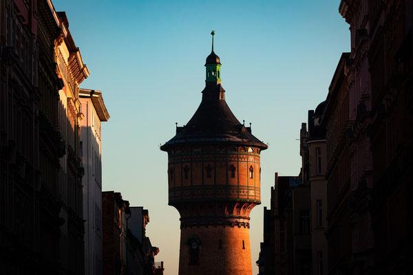 Blick zum Wasserturm Nord durch die Lessingstraße