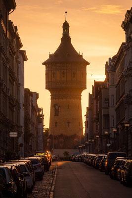 Wasserturm Nord im Sonnenaufgang