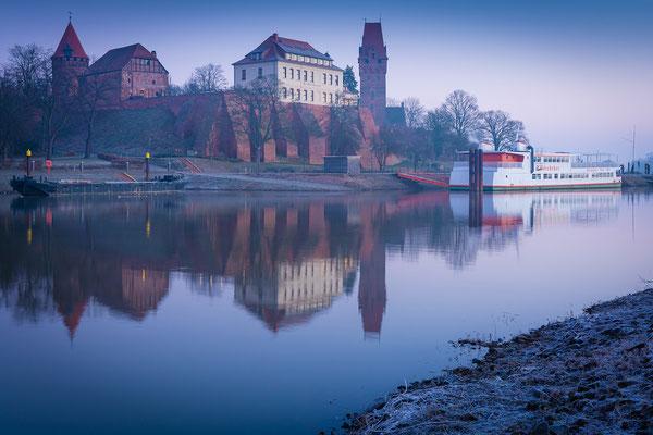 Schloss in Tangermünde an einem Morgen im Winter
