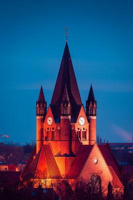 Pauluskirche am Abend