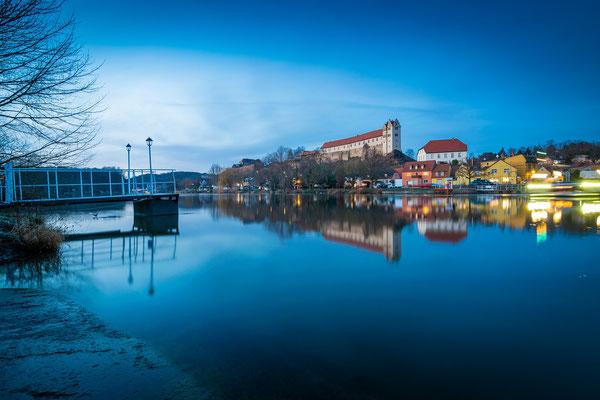 Burg in Wettin am Abend im Winter