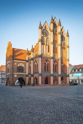 Rathaus in Tangermünde am Morgen