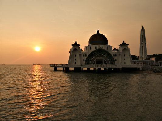 Malakka Unterkunft und Hotel Empfehlung Floating Mosque