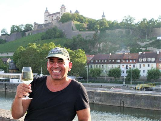 Würzburg Geheimtipps Brücke Wein