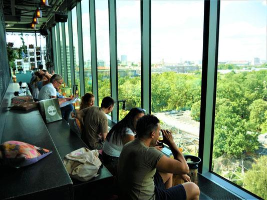 Berlin travel guide: Monkey Bar