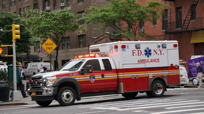 Reiseversicherung Vergleich 2019 Ambulance New York
