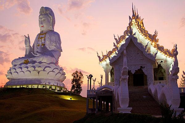 Chiang Rai Hotels Tipps Wat Huay Pla Kang Tempel