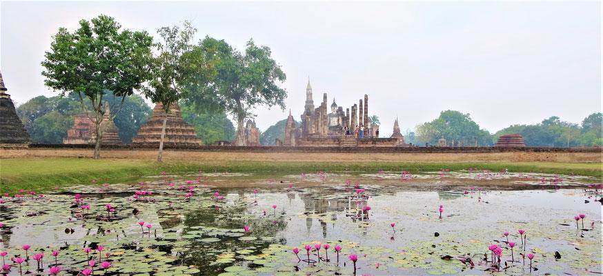 Sukhothai Sehenswürdigkeiten Ruine des Traphang Ngoen