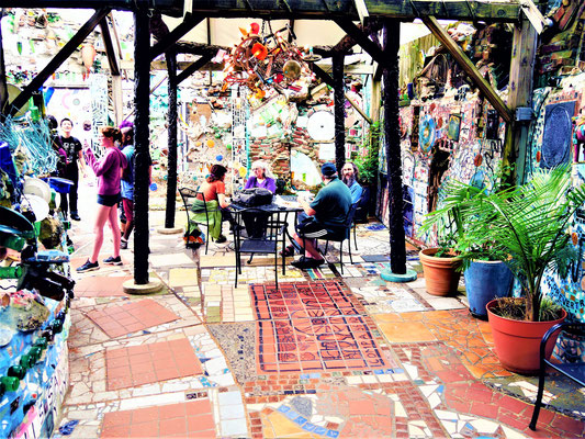 Philadelphia Blog Magic Gardens