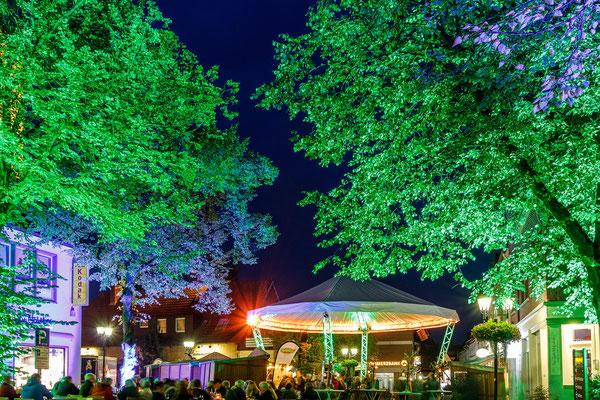 Abendstimmung im Weindorf auf dem Meller Herbstfest