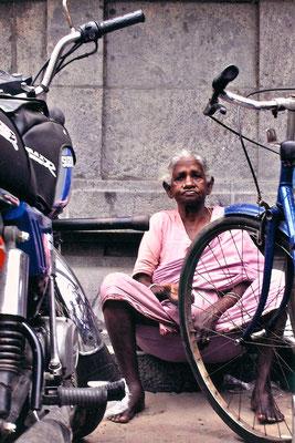 INDIA   Granny