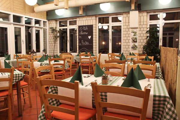 In unserem Gastraum im La Piscina finden ca. 40 Gäste Platz - Foto: Luca Fallico