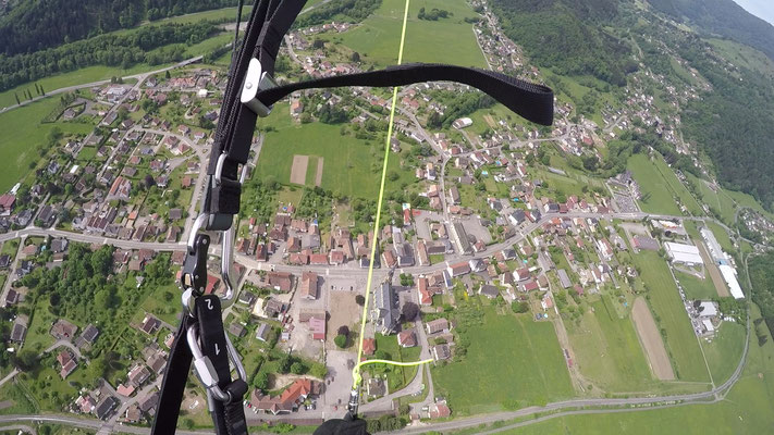 Landeanflug auf Fellering in den Vogesen (Frankreich)