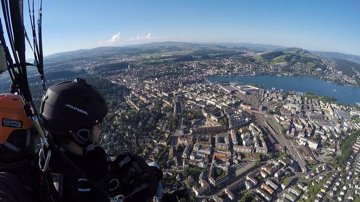 die Leuchtenstadt zu Füssen (Luzern City)