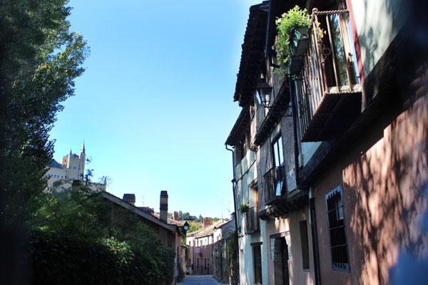 Calle Marqués de Villena con el Alcázar al fondo