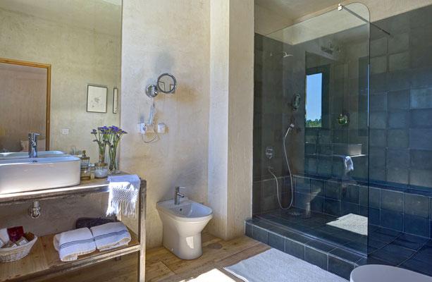 Todos los dormitorios tienen baño individual