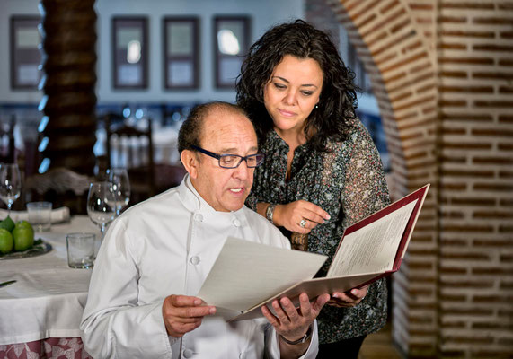 José María y su hija Rocío Ruiz, directora del restaurante.