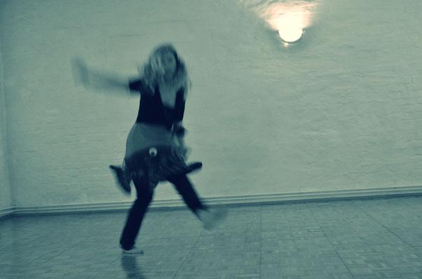 Ein unverbindliches Angebot mit viel Raum für deinen freien Tanz