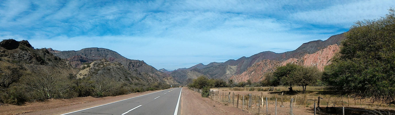 PANORAMIQUE SUR LA ROUTE SUD PRES DE EL SALAMANCA SALTA ARGENTINE
