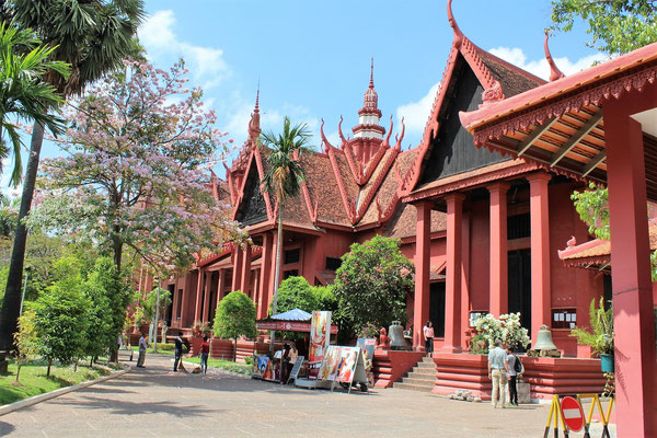 LE MUSEE NATIONAL DU CAMBODGE A PHNOM PHEN AU CAMBODGE