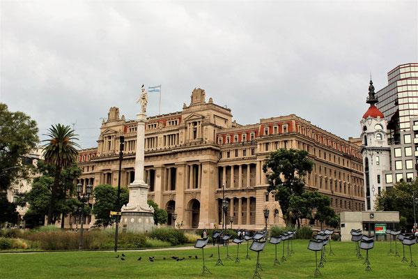 LE PLAIS DE JUSTICE SUR LE PARC GRAL LAVALLE A BUENOS AIRES ARGENTINE