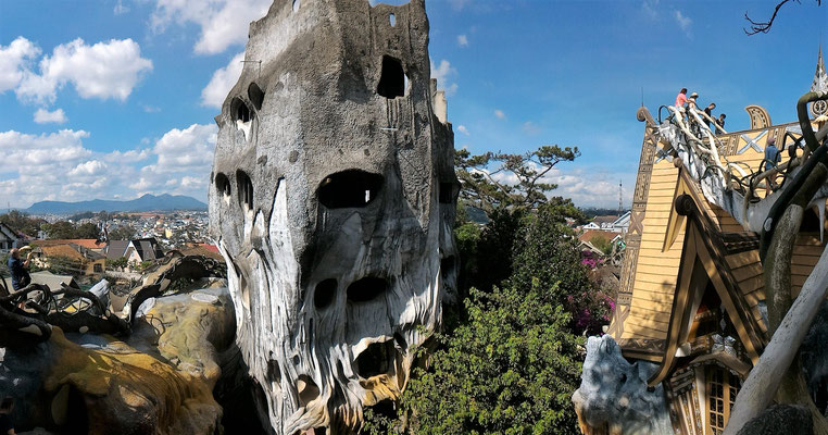 PANORAMIQUE A LA CRAZY HOUSE A DALAT