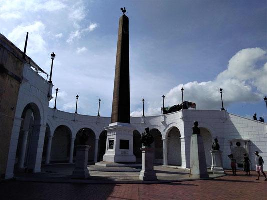 LE MONUMENT DU CANAL AVEC LA STATUE DE FERDINAND DE LESSEPS A LA POINTE SUD OUEST DE PANAMA VIEJA