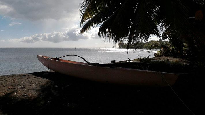 TEAHUPOO  TAHITI HITI ROUTE SUD TAHITI