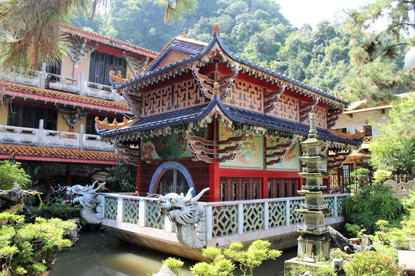 LE TEMPLE SAM POH TONG A IPOH MALAISIE