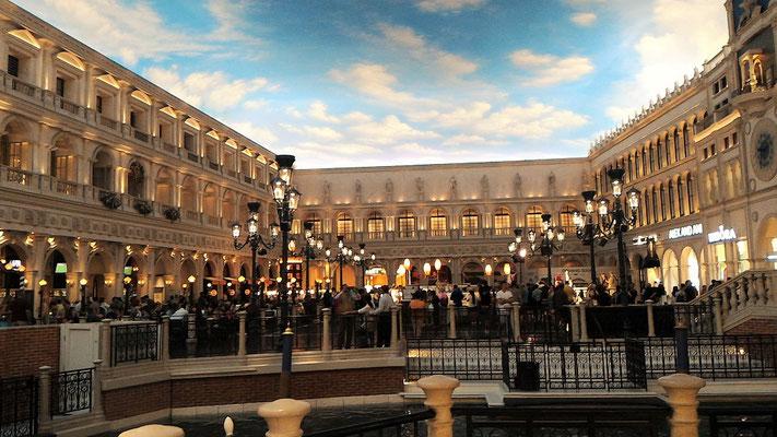 LA PLACE SAINT MARC VENECIA HOTEL CASINO LE TRIP LAS VEGAS NEVADA