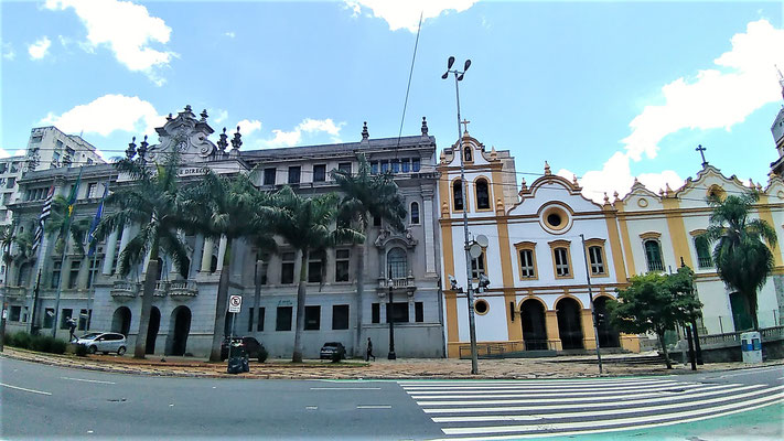 LA FACULTE DE DROIT ET L'EGLISE SAN FRANSCICO AU CENTRE DE SAO PAULO BRESIL