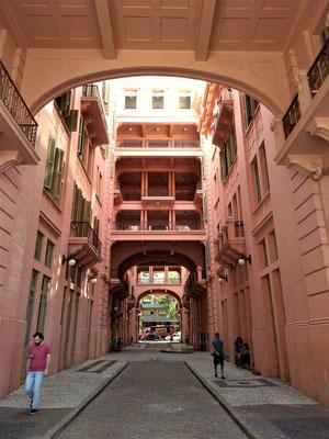 L'ANCIEN HOTEL MAJESTIC DEVENU LA MAISON DE LA CULTURE MARIO QUINTANA A PORTO ALEGRE BRESIL