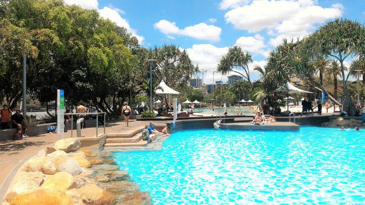 STREET BEACH PISCINE GRATUITES AU CENTRE DE BRISBANE AUSTRALIE