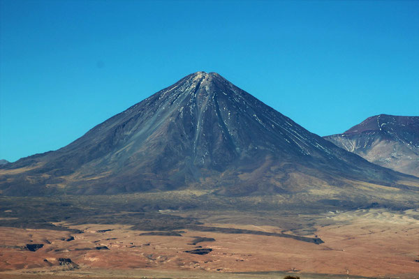 VOLCAN LICANCABUR 5916 M SAN PEDRO DE ATACAMA CHILI