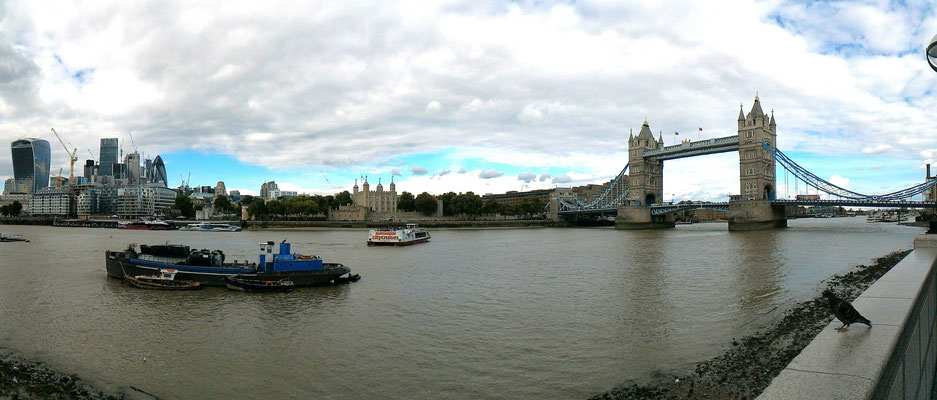 LE TOWER BRIDGE ET LA TOUR DE LONDRES TOWER OF LONDON