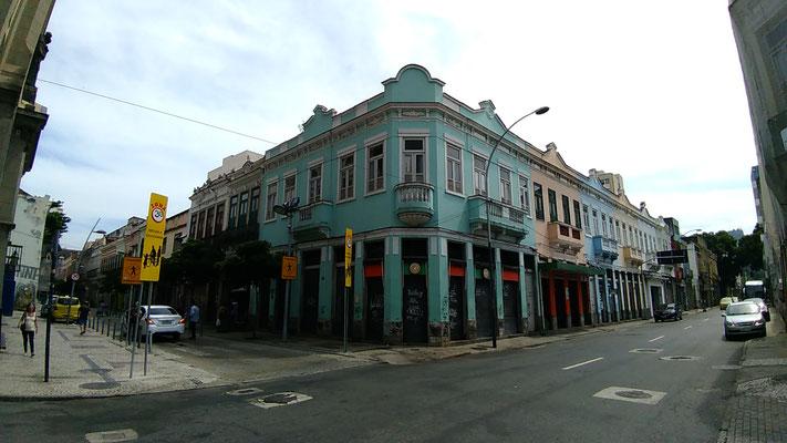 L'ANGLE DES RUES DE SENADO ET INVALIDES A RIO DE JANEIRO BRESIL