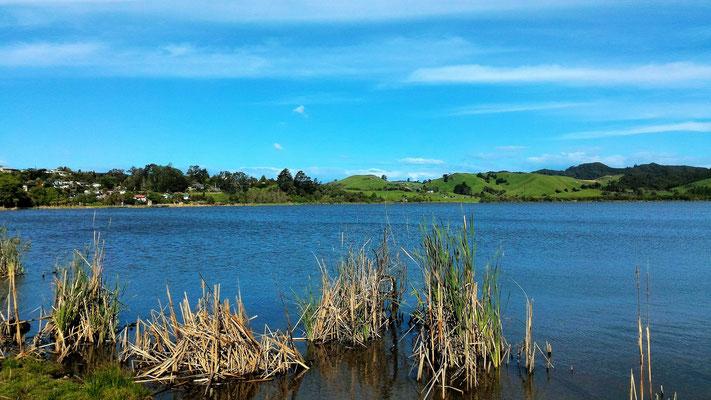 DERNIERE NUIT EN VAN AU LAC HAKANOA VUE DU CAMPING DE HUNTLY ILE DU SUD NZ