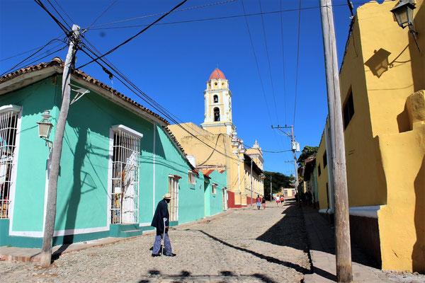 LA RUE PIRO GUINART PRES DE LA PLACE MAYOR A TRINIDAD