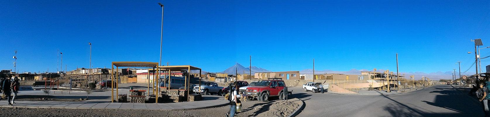 PANORAMIQUE VOLCAN LICANCABUR 5916 M ET VILLAGE DE SAN PEDRO DE ATACAMA CHILI