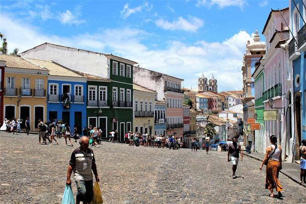 LA PLACE PELOURINHO DEVANT LA MAISON DE LA FONDATION JORGE AMADO AU CENTRE HISTORIQUE DE SALVADOR