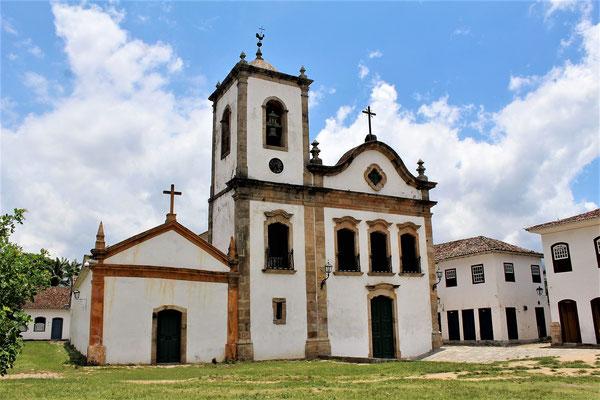 L'EGLISE SANTA RITA DE CASSIA AU CENTRE HISTORIQUE DE PARATY BRESIL